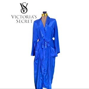 Like NEW Victoria's Secret Robe in Cornflower Blue
